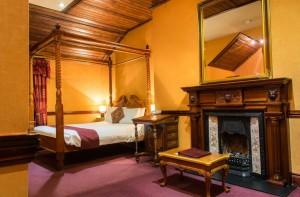 Bedroom 7 (Suite)
